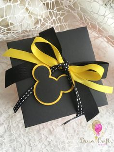 Ideas For Baby Gifts Box Creative Mickey Mouse Crafts, Fiesta Mickey Mouse, Mickey Minnie Mouse, Theme Mickey, Mickey Party, Mickey Mouse Birthday, Elmo Party, Elmo Birthday, Dinosaur Party