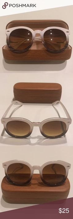 Round Ombré Retro Sunglasses Round Ombré Sunglasses  Ombré colored plastic frames - Fade White to Brown   Lenses are Brown/Green  Retro looking   Case Included! Accessories Sunglasses