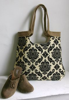 Burlap tote bag with Damask fabric SPRING FASHION by madebynanna, $64.00