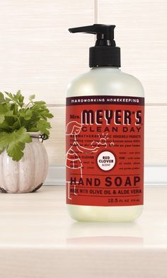 Fresh from the garden to you, our latest, greatest scent: Red Clover. Inspired by vibrant red clovers, this spicy number is as sweet on skin as it is tough on dirt. Find it in Hand Soap, Dish Soap, Multi-Surface Everyday Cleaner and Multi-Surface Concentrate.
