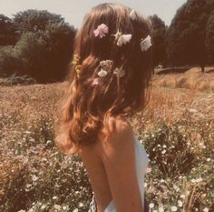 Image about girl in Ideas para fotos by z o a r Spring Aesthetic, Aesthetic Photo, Aesthetic Pictures, Style Hipster, Hippie Style, Shotting Photo, Photo Vintage, Hair Styles, Pretty