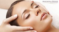 Looking to get the best facial treatment in London? Select a Murad, deep cleansing or oxygenating facial at Juju's Beauty Camden and rejuvenate your skin! Massage Amma, Massage Dos, Face Massage, Facial Treatment, Skin Treatments, Beauty Bar, Beauty Skin, Aloe Vera, Essential Oils