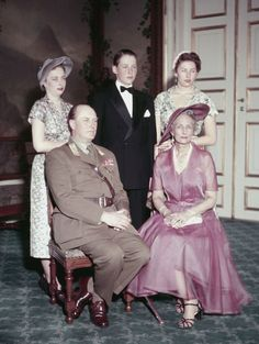 carolathhabsburg:  Norwegian Royal Family Early 1950s-Princess Ragnhild, Prince Harald, and Princess Astrid with their parents Crown Prince Olav and Crown Princess Märtha