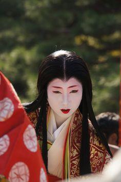 Geiko Tomoka (Pontocho) as Murasaki Shikibu at Jidai Matsuri, 2012 Japan