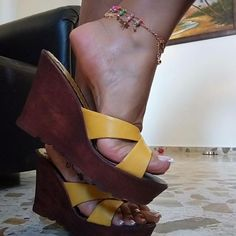 Beautiful Toes, Gorgeous Heels, Pretty Toes, Wedding High Heels, Sexy High Heels, Timberland Boots Women, Sexy Sandals, Sexy Toes, Women's Feet