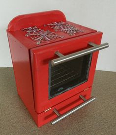 Doll House Appliances: Kitchenaide Red Refrigerator and Stove – On My Creative Side Mini Doll House, Barbie Doll House, Barbie Dream House, Dollhouse Tutorials, Diy Dollhouse, Dollhouse Miniatures, Miniature Tutorials, Miniature Furniture, Dollhouse Furniture