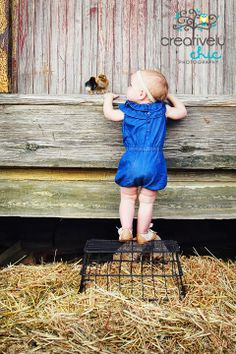 ~Easter Photo Shoot Ideas with kids & baby chicks~ Bunnies would be festive as well!