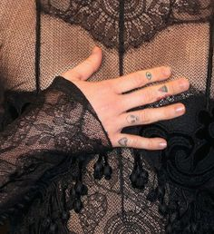 Pin for Later: Take a Peek at Miley Cyrus's Massive, Badass Tattoo Collection Miley Tattoos, Head Tattoos, Badass Tattoos, Finger Tattoos, First Tattoo, Get A Tattoo, Miley Cyrus News, Piercing Tattoo, Piercings