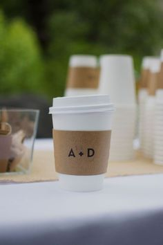Personalize coffee cup sleeves with a minimalistic monogram., Personalize espresso cup sleeves with a minimalistic monogram. Personalize espresso cup sleeves with a minimalistic monogram. Wedding Trends, Wedding Styles, Wedding Ideas, Diy Wedding Bar, Wedding Inspiration, Wedding Cups, Wedding Paper, Trendy Wedding, Wedding Venues
