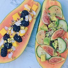 Kindness is...sharing your breakfast with the bf 👫👫, even when you're hungry af and want it all for yourself. This week I blogged about my week of doing random acts of kindness for others on my blog. Link in bio ⬆️⬆️. Does practicing kindness make you feel happier? 😊😊 For papaya boats ➡️➡️: Slice a papaya in half and scoop out some flesh to create serving boats. For savory: top with cucumbers, avocado, sprouts, lime, figs, extra virgin olive, balsamic vinegar, salt & freshly cracked…
