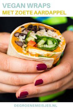 Vegan recept Wraps met vulling van zoete aardappel, rijst, zwarte bonen, paprika, spinazie etc. Makkelijk, snel, gezond én ideaal om mee te nemen!