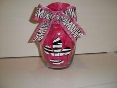 Fleur de lis vase  www.facebook.com/diddlebugbowtique