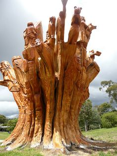 Wood sculpture at Dartmoor, Victoria. Chain Saw Art, Easy Woodworking Ideas, Learn Woodworking, Woodworking Plans, Woodcut Art, Different Kinds Of Art, Tree Carving, Tree Sculpture, Snow Sculptures