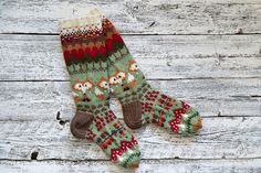 Knitting Designs, Knitting Projects, Knitting Patterns, Crochet Mitts, Knit Or Crochet, Wool Socks, My Socks, Fair Isle Knitting, Knitting Socks