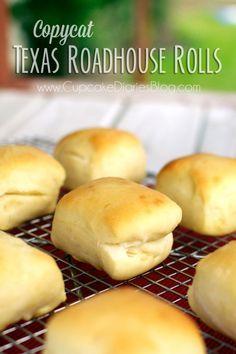 Copycat Texas Roadhouse Rolls- mmmm!  This looks DIVINE!  #texasroadhouse #rolls #copycat #recipe