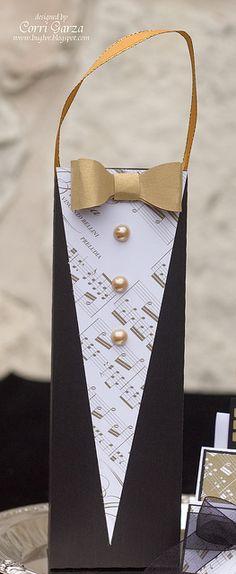 An elegant Tuxedo Gift Bag! An elegant Tuxedo Gift Bag! Present Wrapping, Creative Gift Wrapping, Creative Gifts, Treat Bags, Gift Bags, Craft Gifts, Diy Gifts, Gift Wraping, Paper Gifts