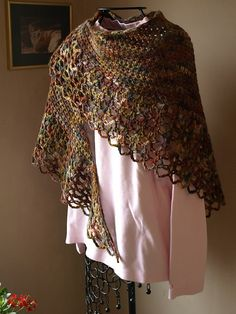crochetster's Woodland Shawl In Mist Alpaca Chunky. I may just have to try my hand at crocheting again.