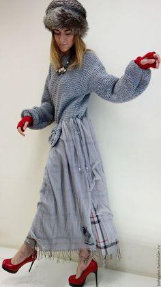 Платье в стиле бохо 'Белла С12' в интернет-магазине на Ярмарке Мастеров. Я вчера в сером доме В сером кафе За стеклянным столом Серый шоко из белой кружки Вкушала. Ох какая это вкусная штука Сколько эмоций и радости сколько Во вкусном созданьи шоколада Любительницам истинного бохо еще одно бохо платье посвящается. Какое же еще может быть еще люксовое бохо из шикарного сочетания цвета и фактуры. Лиф платья из альпаки приятнейшей и красивой ниточки не ровной , поэтому…