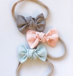 Pocket of Pastels: Knot Bows Set {set of Light Gray Linen, Peach Thatched & Seafoam Linen Diy Baby Headbands, Diy Hair Bows, Diy Bow, Fabric Hair Bows, Flower Headbands, Ribbon Hair, Baby Girl Bows, Girls Bows, Newborn Bows