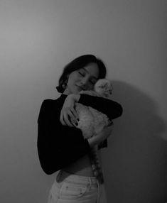 ben sana bu iconları mezarlıktan çaldım •sondan başla kanka #rastgele # Rastgele # amreading # books # wattpad Cute Poses For Pictures, Poses For Photos, Girl Pictures, Girl Photos, Ideas For Instagram Photos, Instagram Pose, Insta Photo Ideas, Shotting Photo, Fake Girls