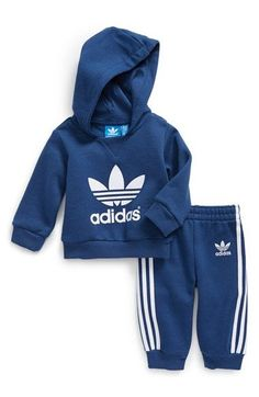 adidas 'Trefoil' Fleece Hoodie & Jogginghose (Baby Boys) abrufbar unter - little kids world - Kinder Boots Baby Outfits, Toddler Outfits, Cute Boy Outfits, Baby Boy Fashion, Toddler Fashion, Kids Fashion, Fashion Clothes, Adidas Baby, Baby Adidas Tracksuit