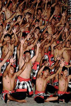 Kecak Dance l   www.rudisbalitours.com