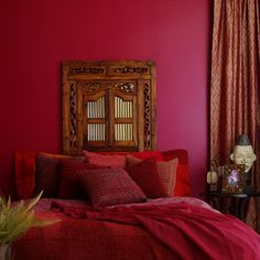 Design an oriental bedroom - like living in a fairy tale, feng shui bedroom oriental design red. Red Bedroom Walls, Red Walls, Bedroom Colors, Bedroom Ideas, Tan Bedroom, Bedroom Designs, Master Bedroom, Red Room Decor, Red Wall Decor