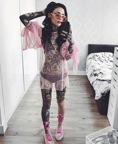 Full Body Tattoo, Body Art Tattoos, Girl Tattoos, Black Line Tattoo, Snow Flake Tattoo, Irezumi Tattoos, Marquesan Tattoos, Japanese Dragon Tattoos, Monami Frost