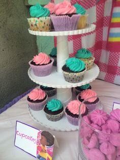 Cupcakes | Mesa de postres Doctora Juguetes | Postrería