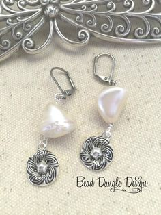 Fresh Water Pearl Beaded Dangle Earrings #176 – Beautiful Fresh Water Pearls accented with Pewter Floral Etched Pendant.