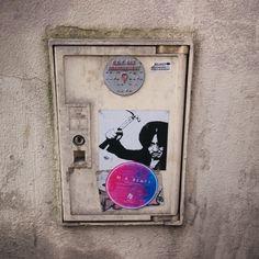 올드보이 - OLDEUBOI (2003) by artist ? in Paris, France www.streetartcinema.com  #streetartcinema  #streetart #urbanart #aerosol #spray #cinema #culture #education #Oldeuboi #Corean #Film
