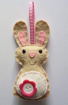 Paas haasje van vilt/ Felt easter bunny