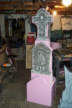 The right halloween exterior decor can make this special occasion joyful, entertaining, downright frightful, or pretty much all Turn cheap dollar store tombstones into a GIANT headstone. Halloween Prop, Halloween Outside, Halloween Graveyard, Halloween Haunted Houses, Outdoor Halloween, Diy Halloween Decorations, Halloween 2019, Holidays Halloween, Halloween Crafts