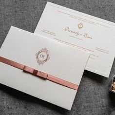 Veja mais no site Wedding Ring Box, Wedding Tips, Wedding Cards, Wedding Planning, Dream Wedding, Wedding Invitations, Wedding Day, Making A Wedding Dress, 15th Birthday