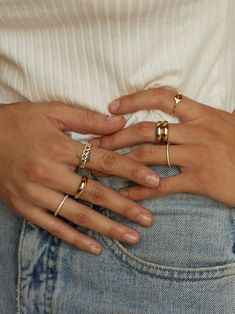 Hand Jewelry, Cute Jewelry, Jewelry Rings, Jewelry Accessories, Jewlery, Hands With Rings, Rings On Fingers, Rings On Hand, Aesthetic Rings