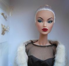 Evening in Montreal Victoire Roux~2014 IT Direct Exclusive Lottery Doll~NFRB~NIB,,,,,,,,, ME Gorgeous Hair, Picture Ideas, Montreal, Profile, Doll, Fashion Outfits, Silver, Ebay, User Profile