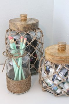 Beachy themed desk and dresser decor. Tweens shabby chic meets beachy themed bed… - Decoration, Room Decoration, Decoration Appartement, Home Decor, Bedroom Decor Beach Room Decor, Beachy Room, Beach House Decor, Beach Theme Office, Ocean Home Decor, Cute Room Decor, Shabby Chic Vintage, Shabby Chic Kitchen, Shabby Chic Decor