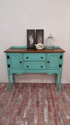shabby chic furniture, painted furniture, buffet table, sideboard, blue painted buffet table, Dixie Belle Paint The Gulf, antique furniture #vintagerusticfurniture