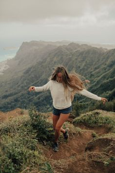 Wanderlust the best travel pins travel, travel photography, Oh The Places You'll Go, Cool Places To Visit, Adventure Awaits, Adventure Travel, Adventure Photos, Foto Snap, Poses Photo, Camping Photography, Woman Photography