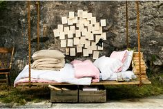 OMG - I want this so much!  Upcycled Pallet Bed Swing