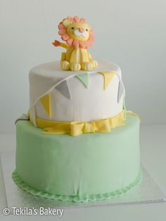 Layer cake with fondant lion. www.tekila.fi