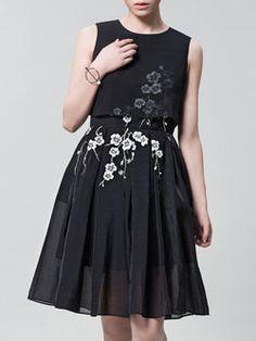 Embroidered Chiffon Pleated Midi Dress