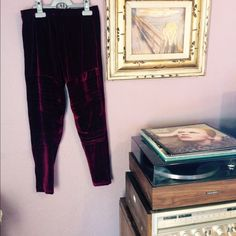 Velvet Novella Royale Leggings These velvet maroon leggings are gorgeous and in perfect condition. Pair them with your favorite boots and leather jacket and you will be the ultimate rocker chick. Measurements when lying flat approx: waist 12 in, length 31 in from top to bottom. Brand new. Never worn. Novella Royale Pants Leggings