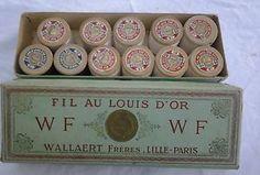 Ancienne-Boite-de11-bobines-bois-de-fil-FIL-AU-LOUIS-DOR