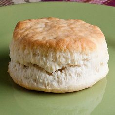 perfect freezer biscuits - by far my FAVORITE biscuit recipe Sour Cream Biscuits, Frozen Biscuits, Cookies Et Biscuits, Biscuit Bread, Biscuit Recipe, Freezer Biscuits Recipe, Freezer Cooking, Freezer Meals, Soup Recipes