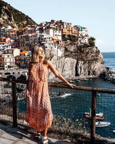 Sunset in Manarola, Cinque Terre, Italy Best Places To Travel, Places To Go, My Dream Came True, Cinque Terre, Amazing Destinations, Golden Hour, Italy, Explore, Sunset