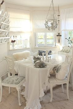 White and Shabby: WELCOME AT MY TABLE