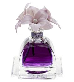 Agraria Lavender & Rosemary AirEssence Diffuser is a luxurious, well-crafted diffuser. Perfumed essential oils provide long-lasting aroma of Lavender & Rosemary Perfume Invictus, Glas Art, Perfume Diesel, Hermes Perfume, Miniature Bottles, Antique Perfume Bottles, Lalique Perfume Bottle, Vintage Bottles, Hand Blown Glass