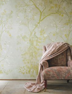A delightful Chinese style panel peacock wallpaper design, with exotic birds perched on two entwining fruit and blossom trees. Peacock Wallpaper, Bird Wallpaper, Wallpaper Panels, Zoffany Wallpaper, Bathroom Wallpaper, Tree Wallpaper Living Room, De Gournay Wallpaper, Hallway Wallpaper, Chinoiserie Wallpaper