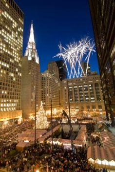 Chicago's Christkindlmarket - a traditional German-American holiday market - wonderful food, drink, activities and shopping. Clearly this is something I must experience.